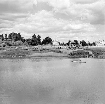 Tapaninvainion uimaranta 1963. Helsingin kaupunginmuseo. Valokuvaaja: Grünberg Constantin (finna.fi)